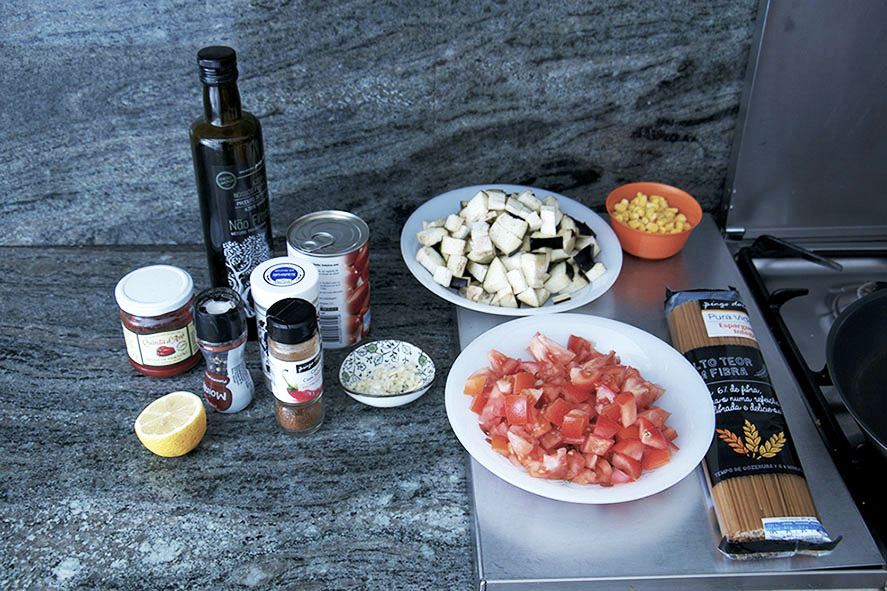 ingredients for a quick Pasta Arrabiata with twist