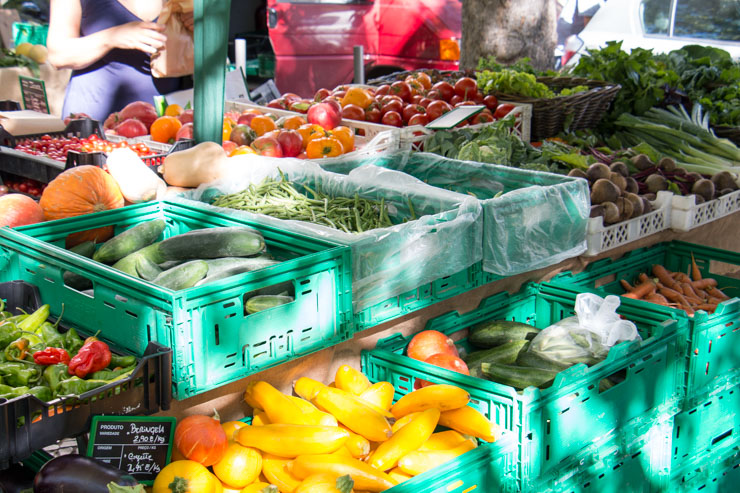 sustainable shopping - the most beautiful variety can be found on a market
